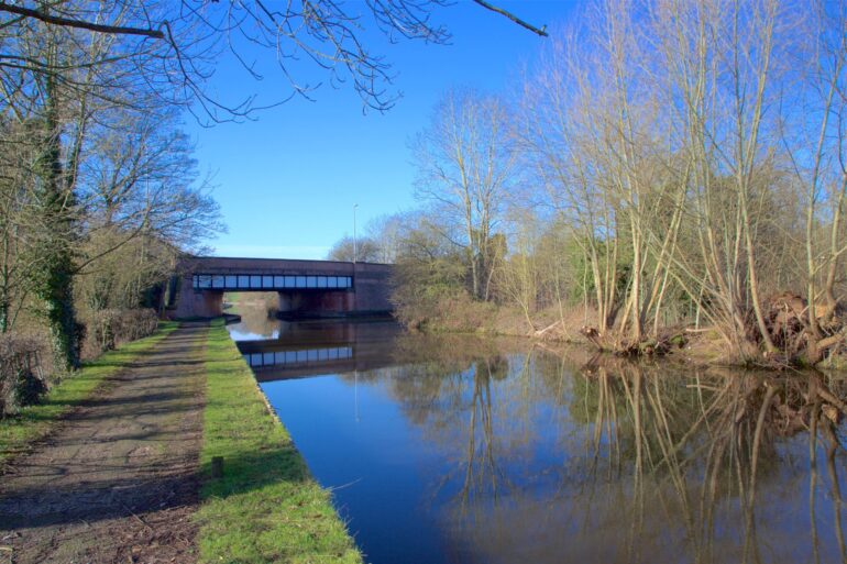 Shropshire Union Canal Backford Bridge to Croughton Bridge